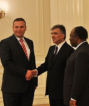 Karmod telah dijemput ke Istana Presiden.