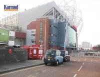 Kios Tiket untuk Stadium Old Trafford di Manchester dan Stadium Nou Camp di Barcelona